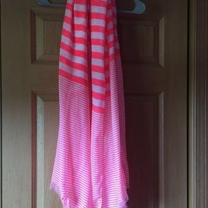 Pink and white scarf!
